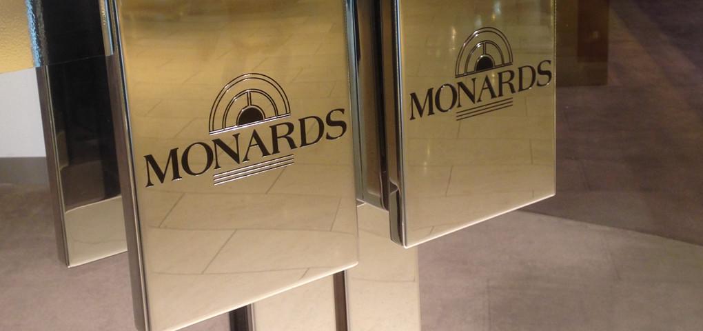 monards doors
